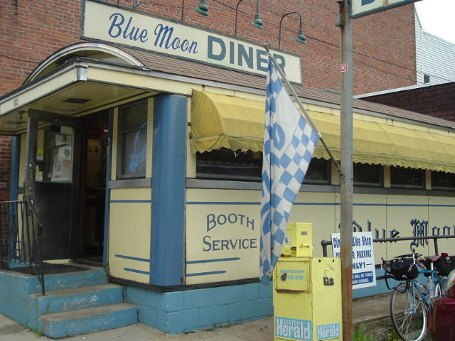 The Blue Moon Diner Gardner, a good place for breakfast.