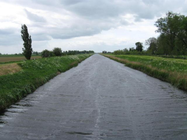 Drainage ditch near Wisbech