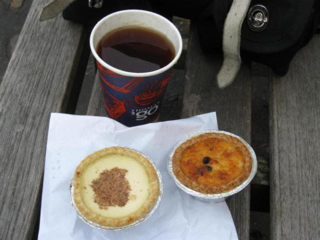 In Kirbymoorside I stopped for tea, a custard tart and a Yorkshire curd tart